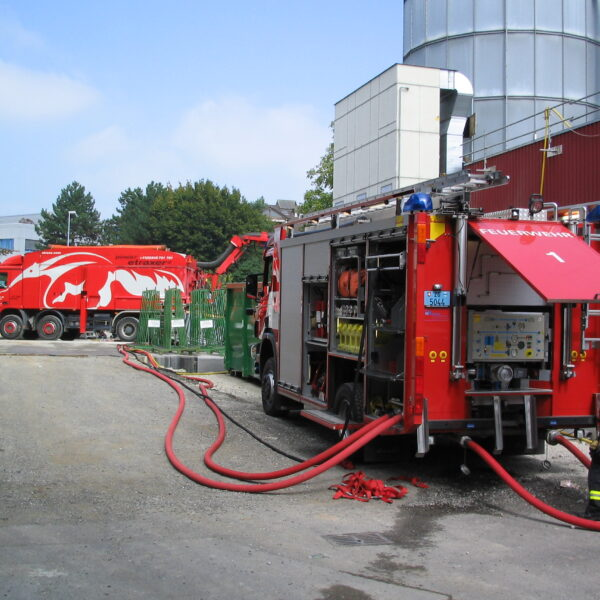Saugbagger etraxa Feuerwehr Unterstützung