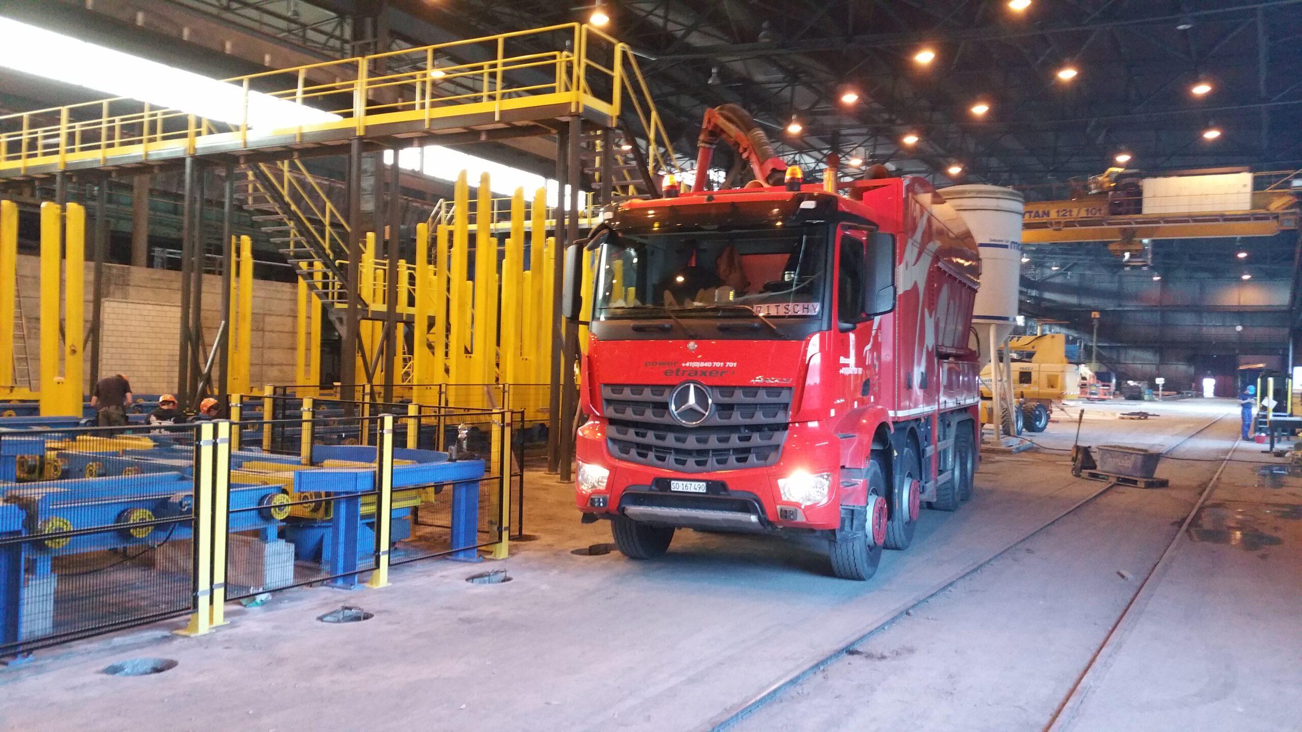 Saugbagger etraxa Industrie Stahlwerk